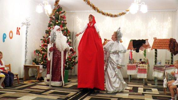 Руководитель УМВД Херсонщины поздравил детей с наступающими праздниками (фото) (фото) - фото 5