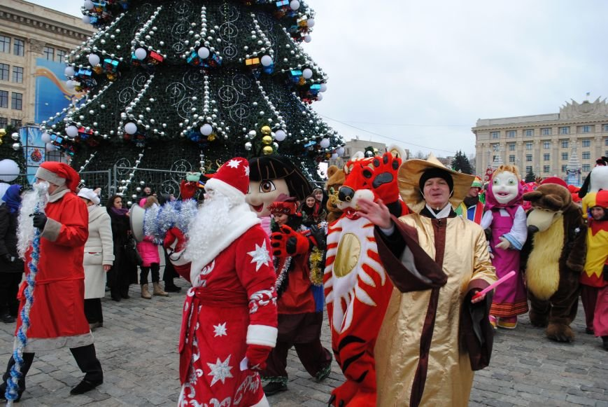 По харьковским улицам прошли полтысячи Дедов Морозов (ФОТО+ВИДЕО), фото-16