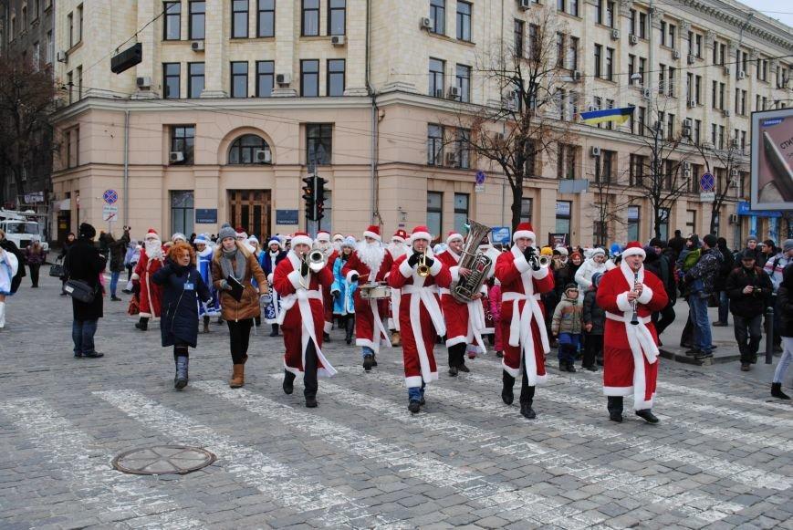 По харьковским улицам прошли полтысячи Дедов Морозов (ФОТО+ВИДЕО), фото-9