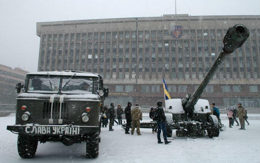 ФОТОРЕПОРТАЖ: В Запорожье артиллеристы показали военную технику, «воевавшую» в зоне АТО (ВИДЕО), фото-1