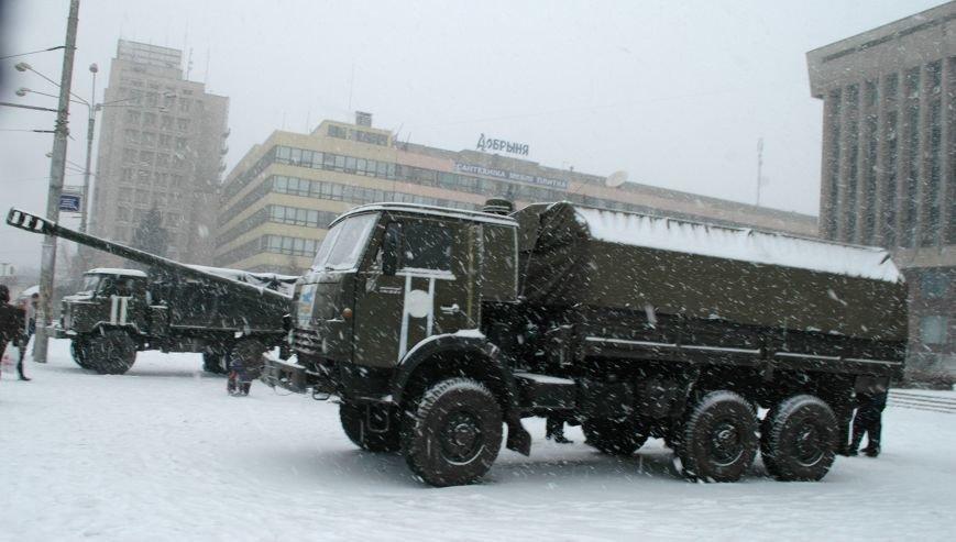 ФОТОРЕПОРТАЖ: В Запорожье артиллеристы показали военную технику, «воевавшую» в зоне АТО (ВИДЕО), фото-9