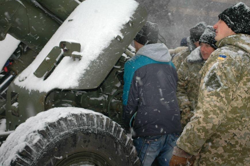 ФОТОРЕПОРТАЖ: В Запорожье артиллеристы показали военную технику, «воевавшую» в зоне АТО (ВИДЕО), фото-5