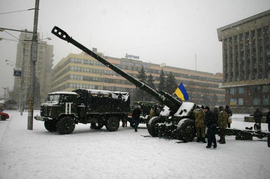 ФОТОРЕПОРТАЖ: В Запорожье артиллеристы показали военную технику, «воевавшую» в зоне АТО (ВИДЕО), фото-13
