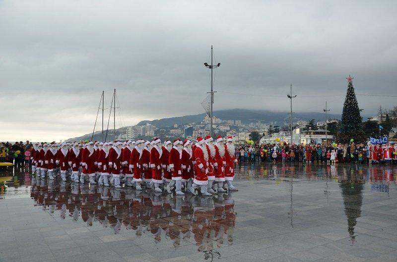 Ялта с большим размахом отметила юбилейный «Мороз-Парад» (фото) - фото 2