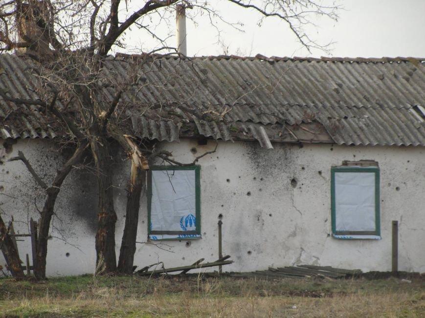 На передовую доставили первую партию гумпомощи от Правительства Украины. Села вблизи Мариуполя обошли стороной (ФОТО), фото-2