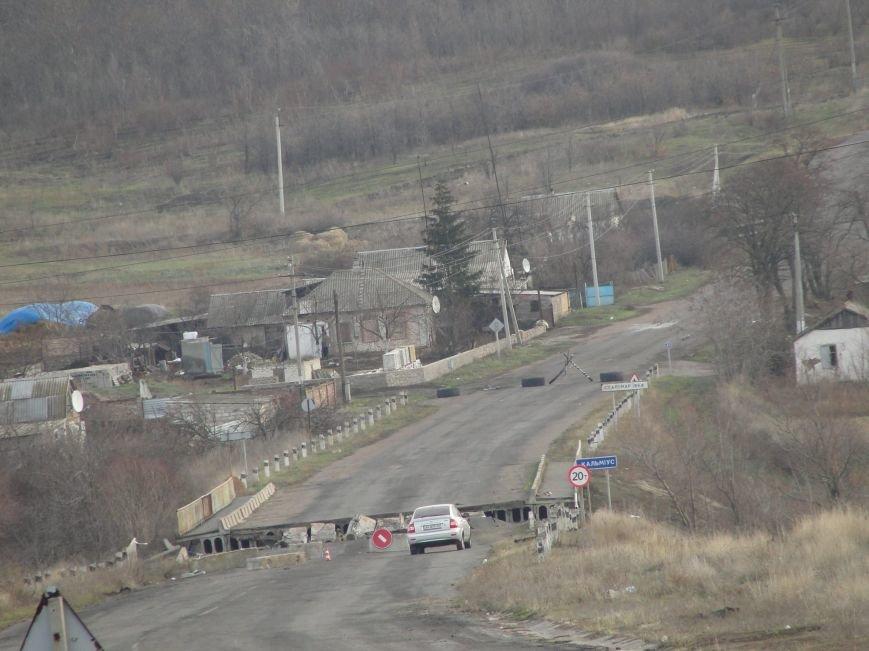 На передовую доставили первую партию гумпомощи от Правительства Украины. Села вблизи Мариуполя обошли стороной (ФОТО), фото-5