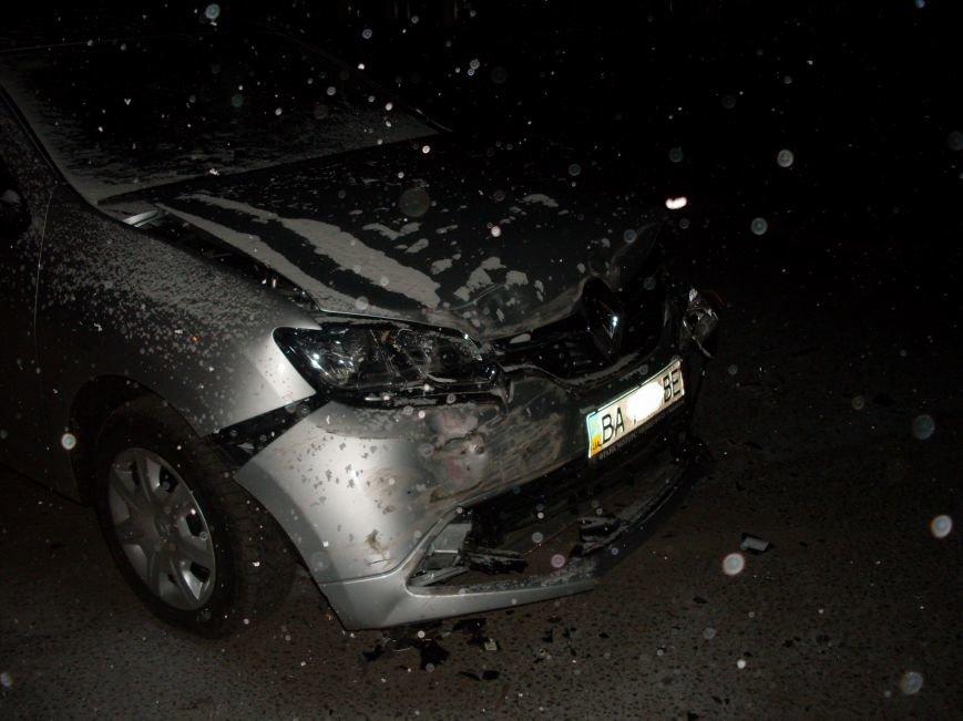 В Кировограде столкнулись две иномарки (фото) (фото) - фото 1