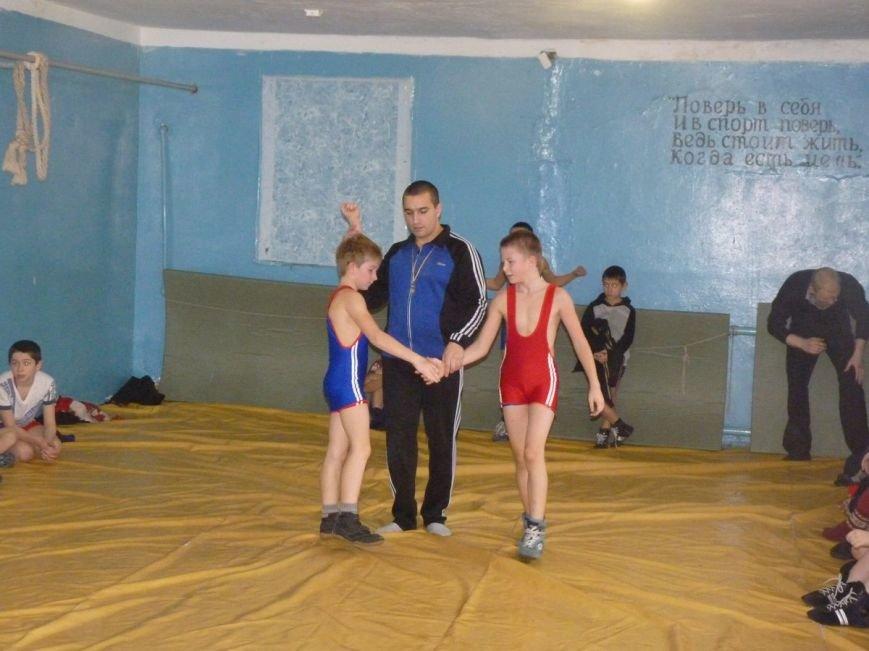 В Славянске прошёл Новогодний турнир по вольной борьбе среди детей. (фото) - фото 4