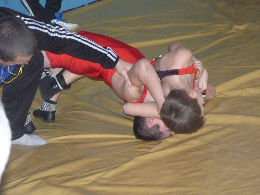 В Славянске прошёл Новогодний турнир по вольной борьбе среди детей. (фото) - фото 3