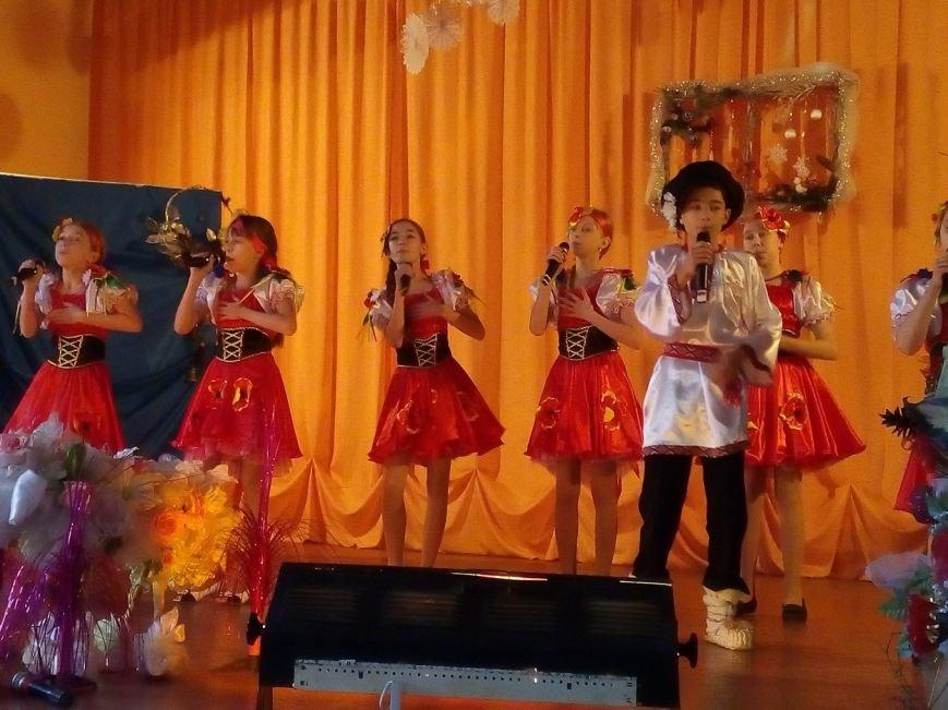 Новогодний праздник для детей-инвалидов в Славянском ДЦЮТ (фото) - фото 4