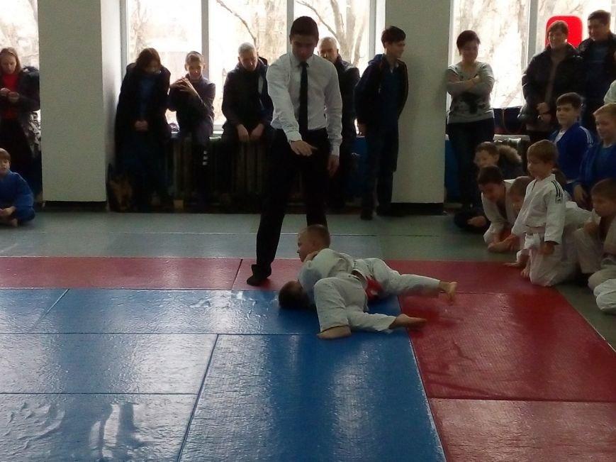 В Славянске состоялся Новогодний турнир по дзюдо среди детей (фото) - фото 2