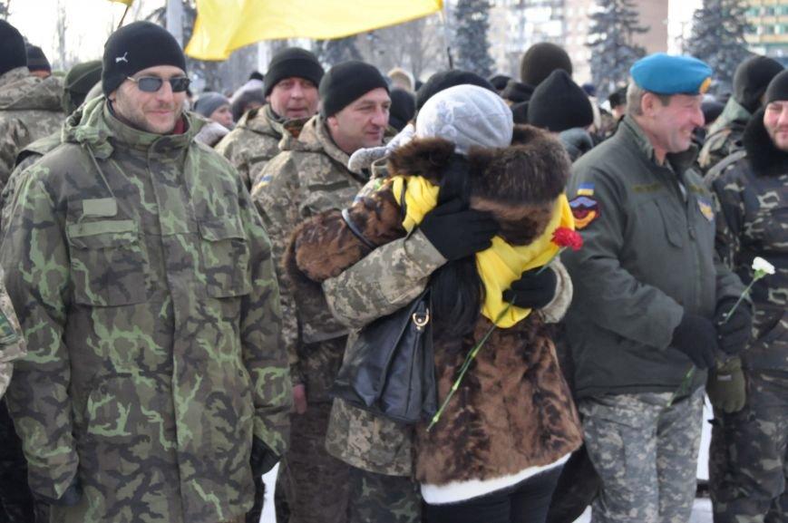 ФОТОРЕПОРТАЖ: В Запорожье из зоны АТО прибыл 37-й мотопехотный батальон, фото-9