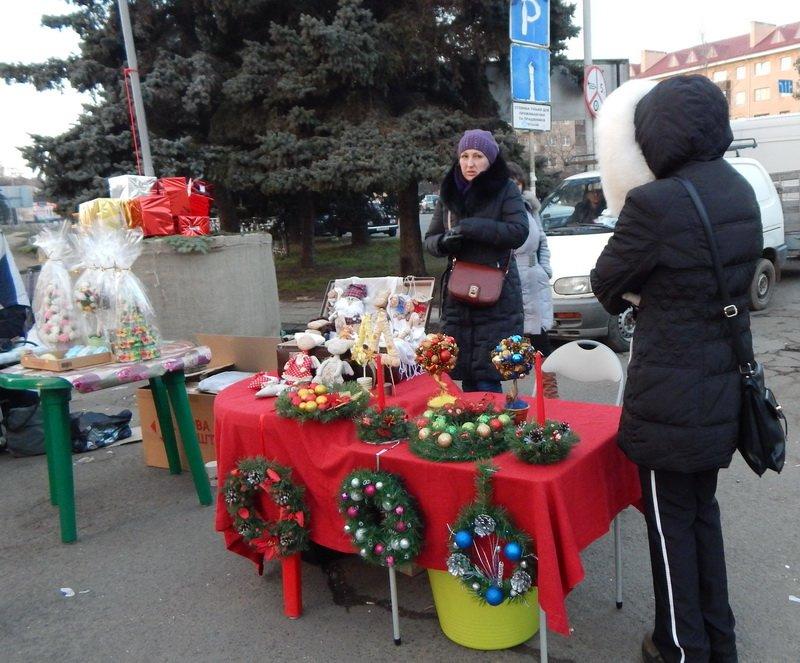 В Ужгороді під готелем «Закарпаття» - підпільний ярмарок (ФОТО) (фото) - фото 7