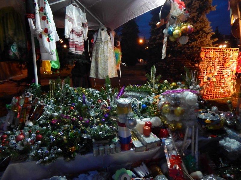 В Ужгороді під готелем «Закарпаття» - підпільний ярмарок (ФОТО) (фото) - фото 15