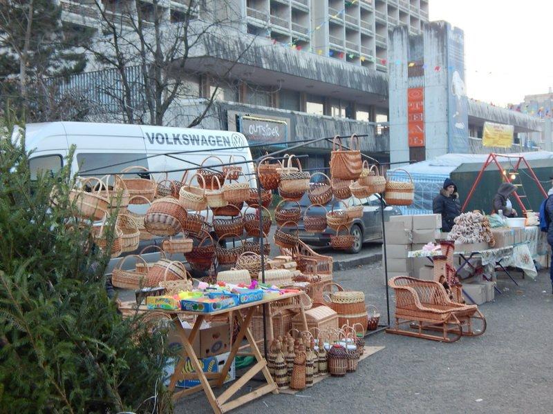В Ужгороді під готелем «Закарпаття» - підпільний ярмарок (ФОТО) (фото) - фото 6