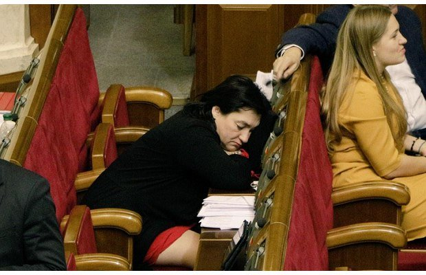 Рада в 4 часа утра приняла государственный бюджет на 2015 год (фото) - фото 2