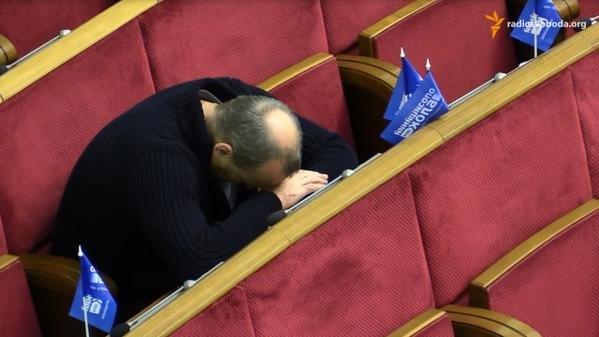 Бюджет на 2015 год принимали под «храп» депутатов (ФОТО) (фото) - фото 3