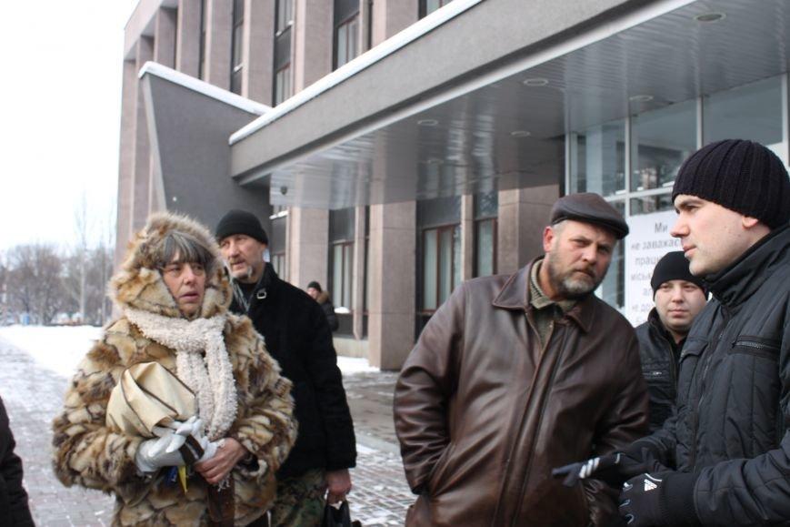 Протестующие под горисполкомом криворожане решили прийти на сессию горсовета (ФОТО), фото-5