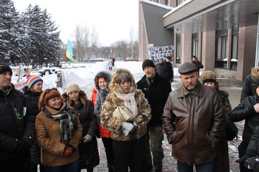 Протестующие под горисполкомом криворожане решили прийти на сессию горсовета (ФОТО), фото-4