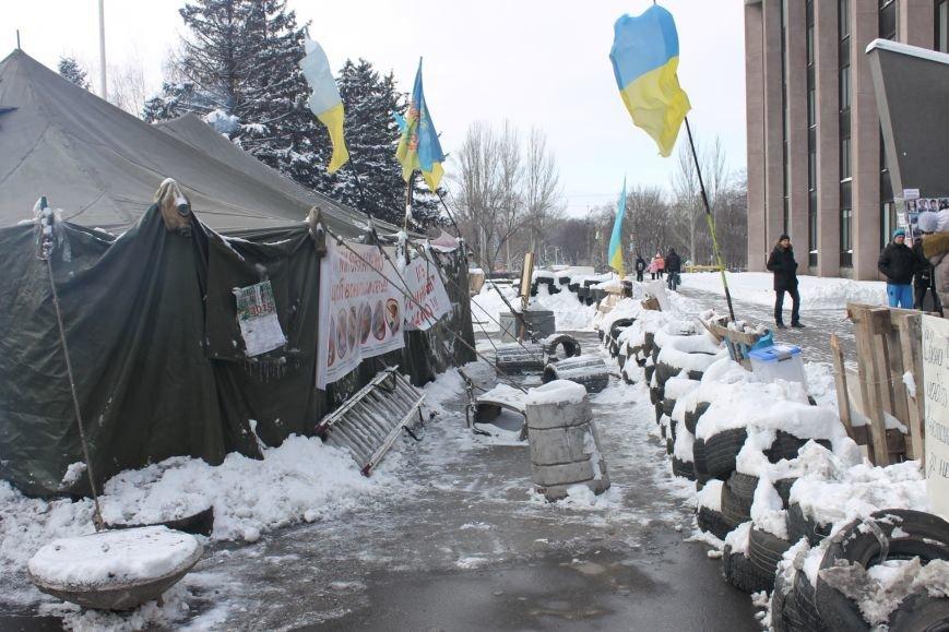 Протестующие под горисполкомом криворожане решили прийти на сессию горсовета (ФОТО), фото-9