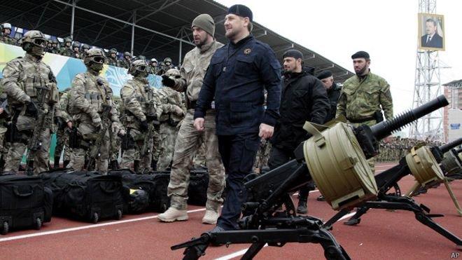 Двадцать тысяч добровольцев из Чечни уже готовы «защищать» Россию. (фото) - фото 1