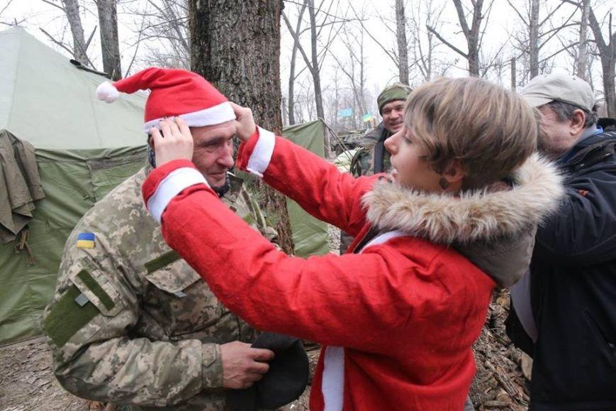Харьковские волонтеры доставили новогодние подарки украинским военным (ФОТО), фото-4