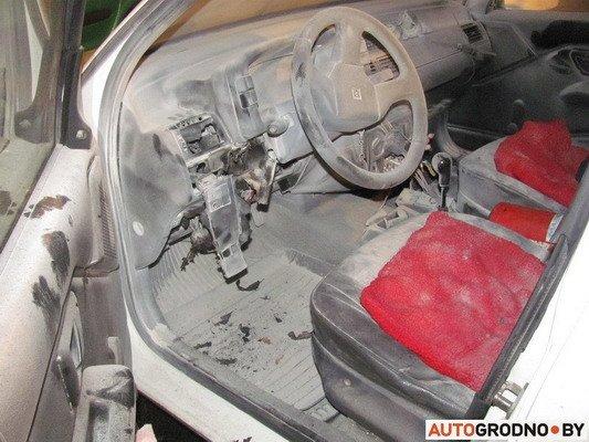 В Гродно столкнулось два «Ситроена»: одна из машин загорелась (Фото), фото-11