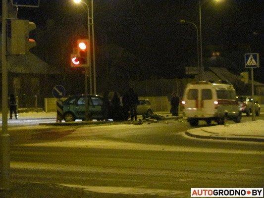 В Гродно столкнулось два «Ситроена»: одна из машин загорелась (Фото), фото-1