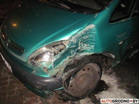В Гродно столкнулось два «Ситроена»: одна из машин загорелась (Фото), фото-6