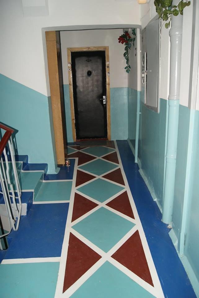У Тернополі жителі будинку оригінально розмалювали свій під'їзд (фото) (фото) - фото 1