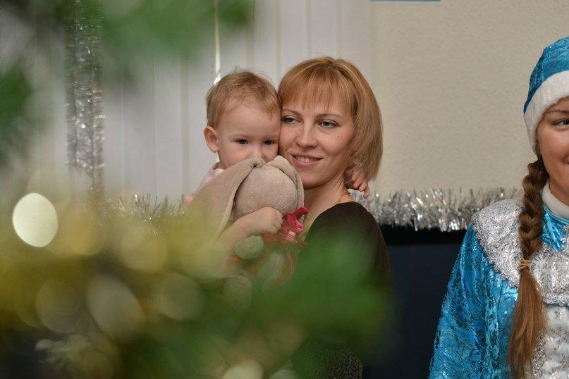 Три новогодних праздника для малышей от 1,5 лет прошли в центральной библиотеке Домодедово (фото) - фото 2