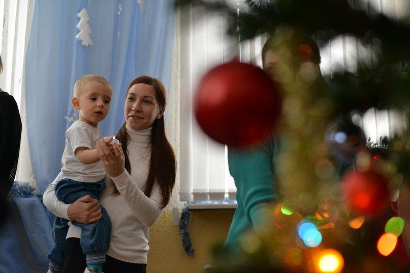Три новогодних праздника для малышей от 1,5 лет прошли в центральной библиотеке Домодедово (фото) - фото 3