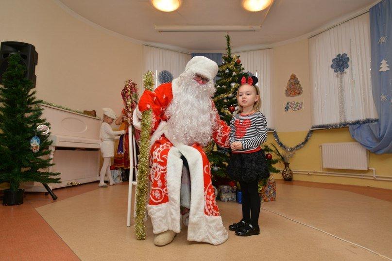 Три новогодних праздника для малышей от 1,5 лет прошли в центральной библиотеке Домодедово (фото) - фото 1