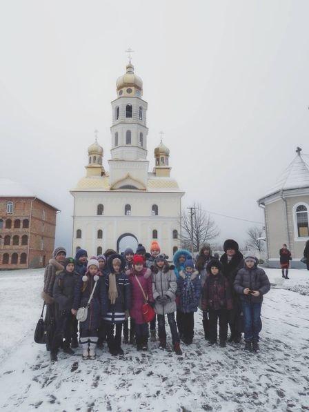 На Буковину прибули діти з Луганської області (фото) - фото 1