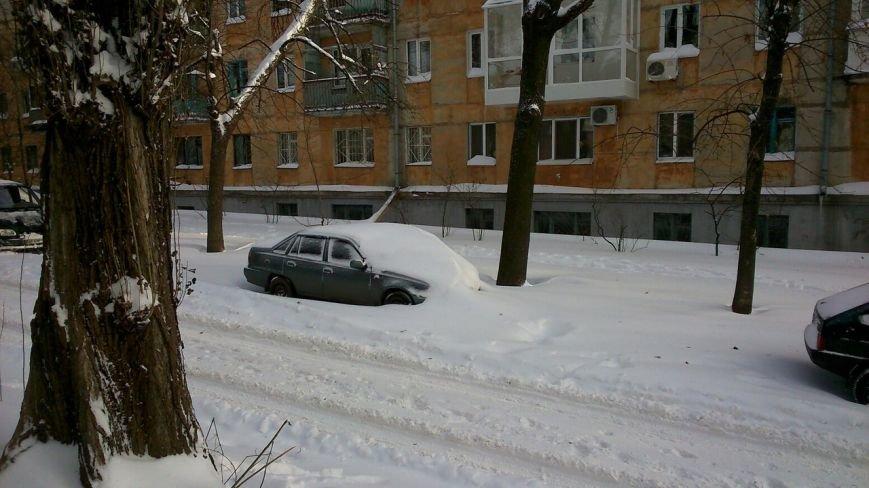 На Днепропетровщине ликвидируют последствия непогоды 385 единиц техники (фото) - фото 1