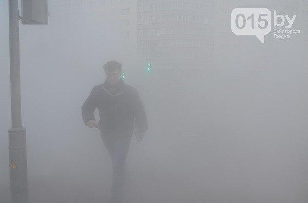 Возле ж/д вокзала прорвало теплотрассу: кипяток заливает дороги и тротуары (Фото, видео) (фото) - фото 8