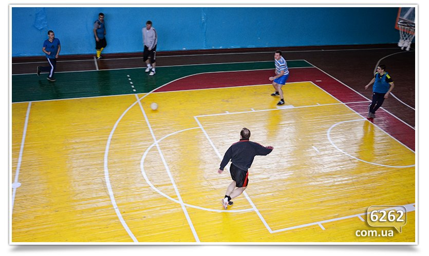В Славянске прошёл матч по футзалу между Нацгвардией и преподавателями ДГПУ (фото) - фото 2