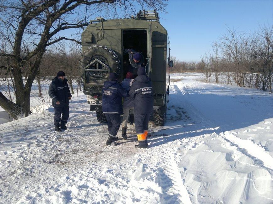 На Кіровоградщині рятувальники доправили лікаря до жительки села, у якої почалися пологи (фото), фото-2