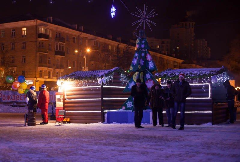 Сотни белгородцев провели новогоднюю ночь на главной площади города, фото-1