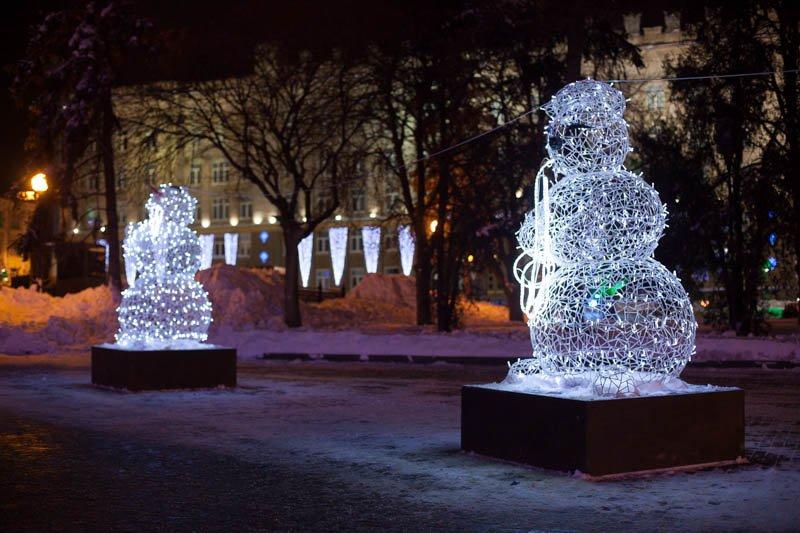 Сотни белгородцев провели новогоднюю ночь на главной площади города, фото-4