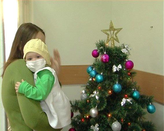 Запорожские милиционеры помогают маленькой Эмме побороть болезнь (ФОТО) (фото) - фото 1