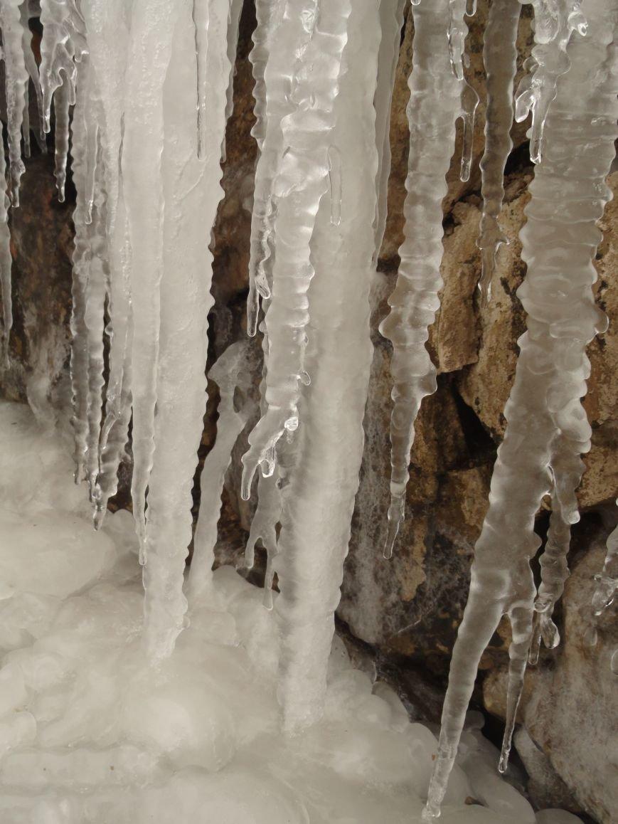 На Приморском бульваре появились замерзшие водопады и естественный каток (ФОТОФАКТ) (фото) - фото 1