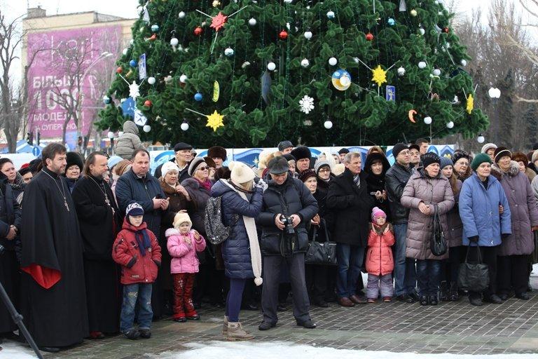 Сегодня в Херсоне открылся рождественский вертеп (фото) - фото 1