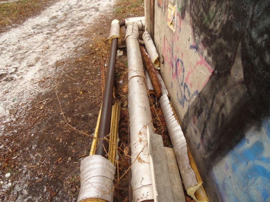 Бездомные и вандалы снова «раздели» Теплосеть (ФОТОФАКТ) (фото) - фото 2
