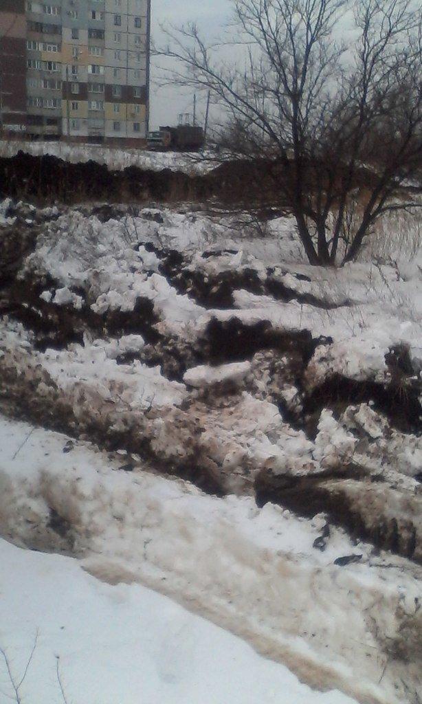 В Кривом Роге неизвестные выкопали и вывезли более 1,5 км металлических труб (ФОТОФАКТ) (фото) - фото 1