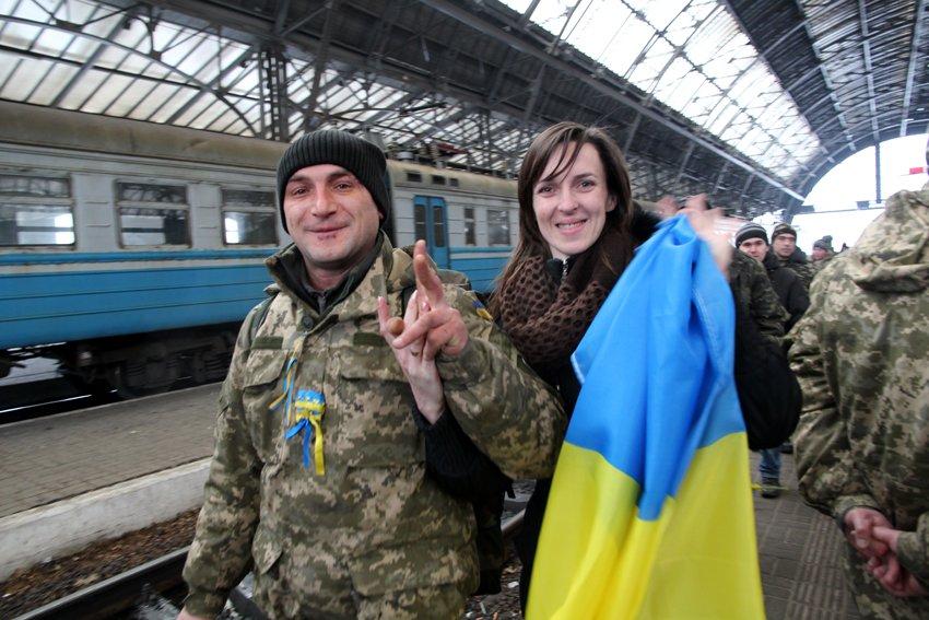 Сьогодні до Львова приїхали 350 Героїв АТО (ФОТОРЕПОРТАЖ) (фото) - фото 4