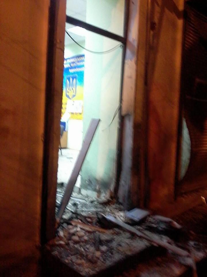 Очередной теракт в Одессе: взорвали вход в Координационный центр Евромайдана (ФОТО), фото-2