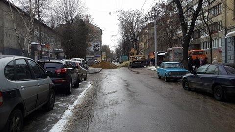 ФОТОФАКТ: впродовж 7 годин одну із найбільших вулиць Львова сьогодні ремонтуватимуть (фото) - фото 1