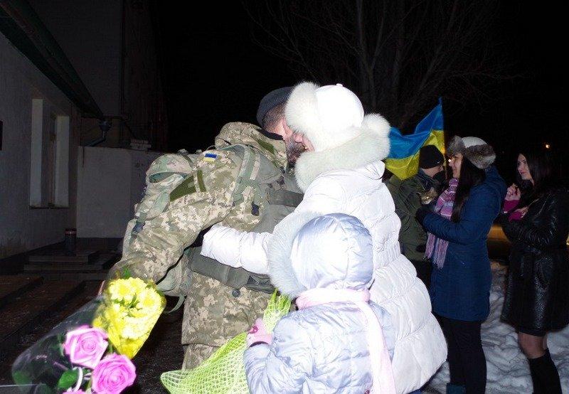 Николаевские десантники вернулись из зоны АТО (ФОТО) (фото) - фото 1
