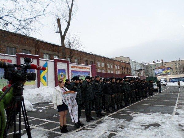 04-54a999cc3028f.Natsgvardijtsy_vernulis_v_Dnepropetrovsk_s_Mariupolya